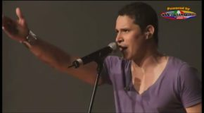 Leoni Torres – Aqui Como Si Na – En Vivo Karl Marx – 2009